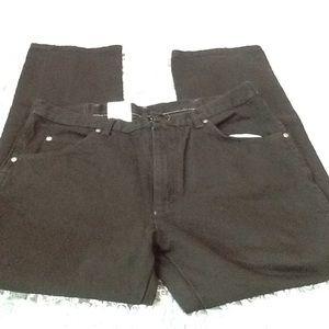 Wrangler men's black jeans size 36w x30l. NWT